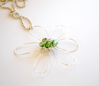 Light, Flower, Halsband i gruppen Halsband hos Anna Veronica Design Collection (HA0206)
